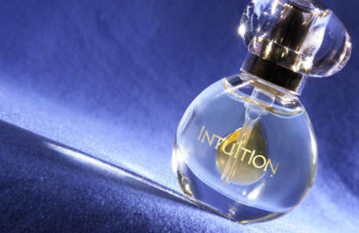 Perfume Bottle Marketing Photo Commercial Photographyand custom product photography